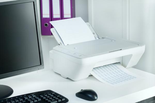 Der Drucker setzt den gesamten Tisch unter Spannung