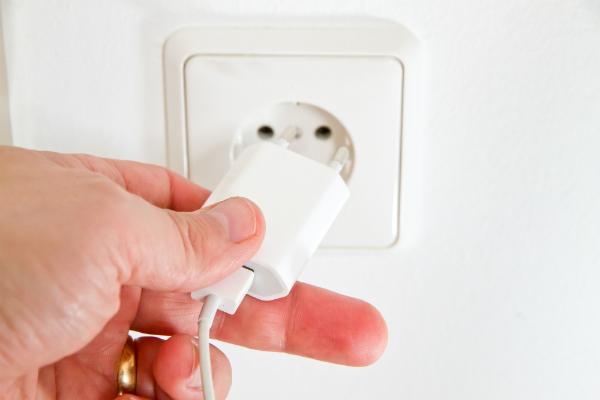 Viele verschiedene Elektrogeräte sind Quellen für Elektrosmog