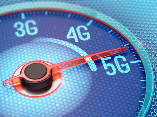 Mobilfunkbetreiber wollen Geschwindigkeiten im mobilen Internet gegenueber 4G noch deutlich steigern