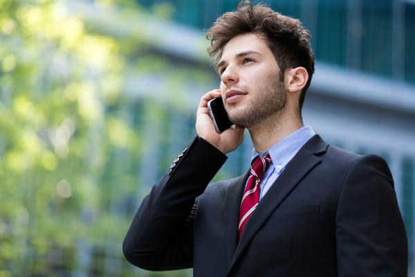 Selbst bei kurzen Telefonaten reagiert der Körper auf die elektromagnetische Strahlung