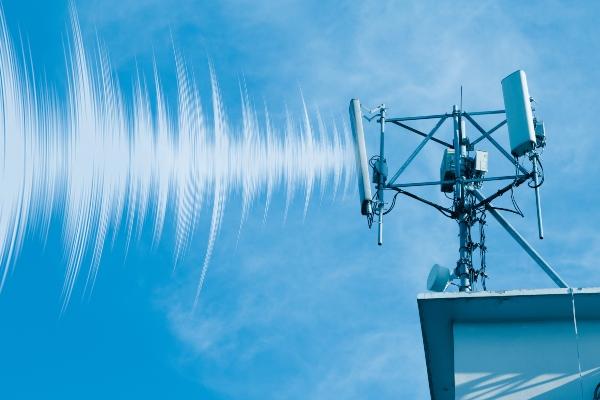 4g-mast-funkwellen-mikrowellensyndrom