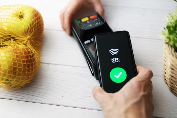 nfc-kontaktlos-bezahlen