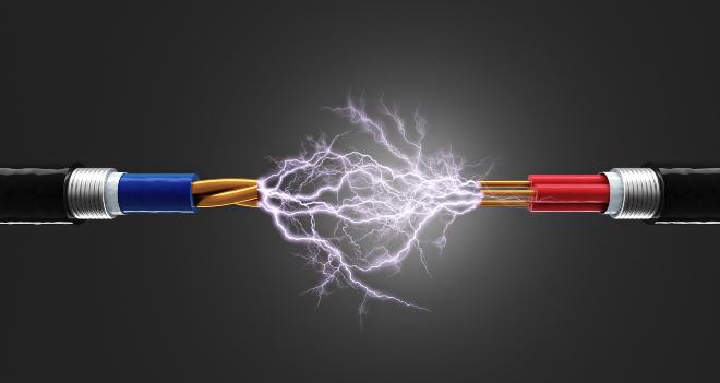 Strom, Kurzschluss, Symbolbild eines Kabels - Erdung und Potenzialausgleich